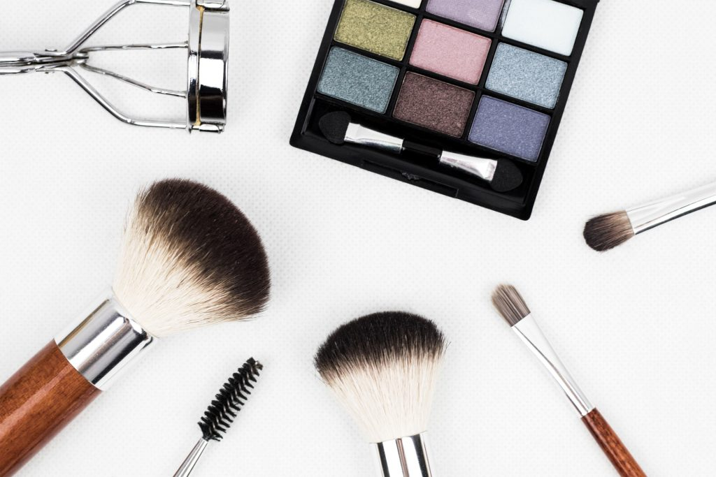 Office make up tips to look your best at work