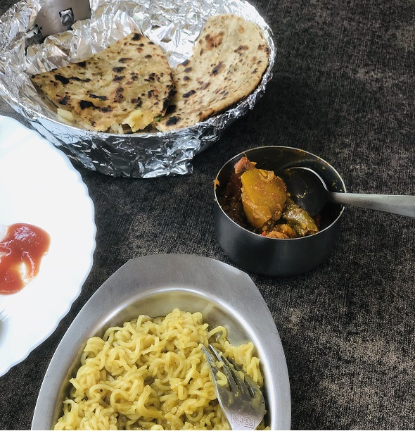 Food to eat in Dharamshala - Parathas and Maggi